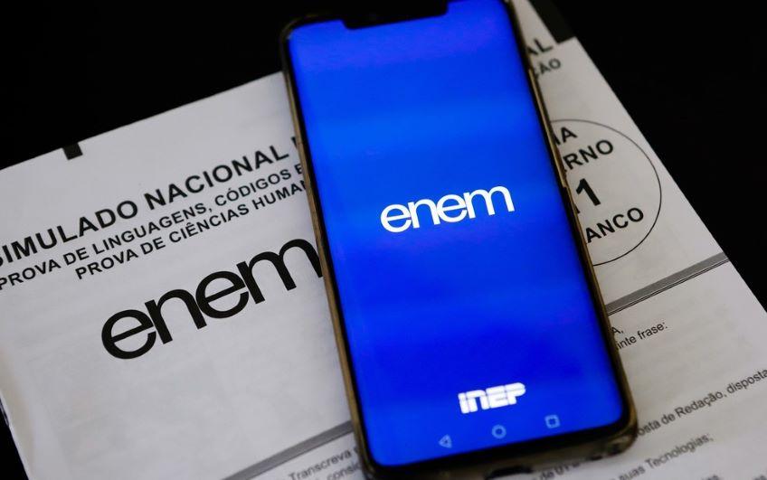 Estudantes querem ENEM em maio de 2021